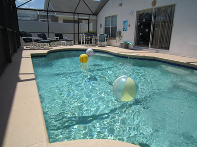 Eaglet Lane screened pool